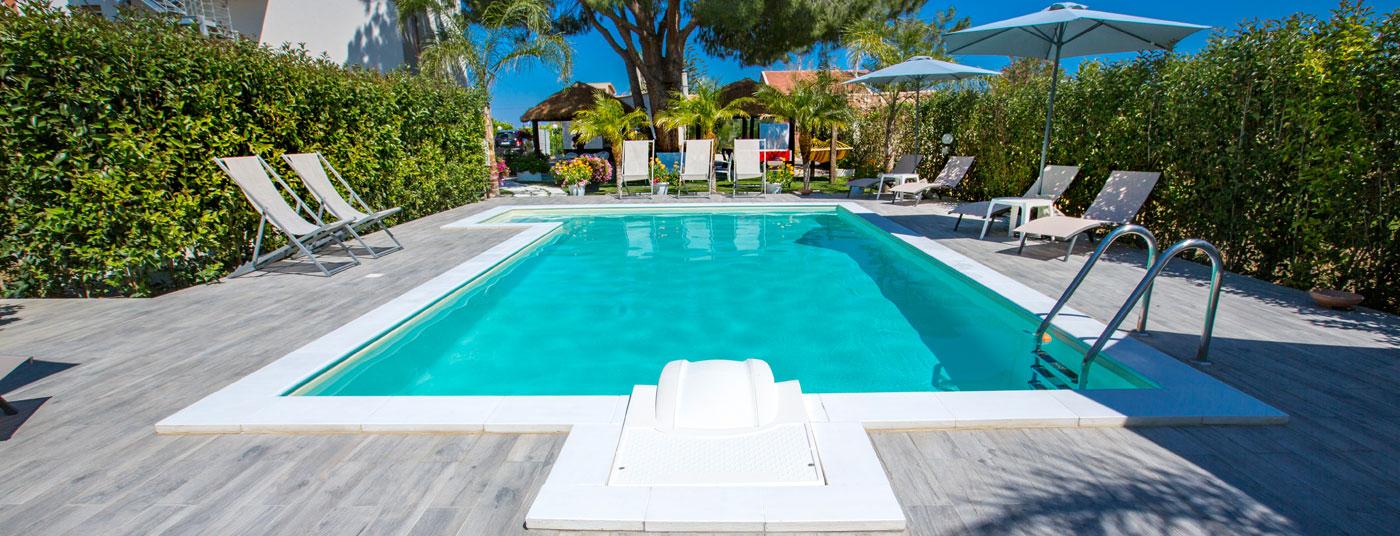 Case Vacanze<strong> Le Zagare</strong> la piscina